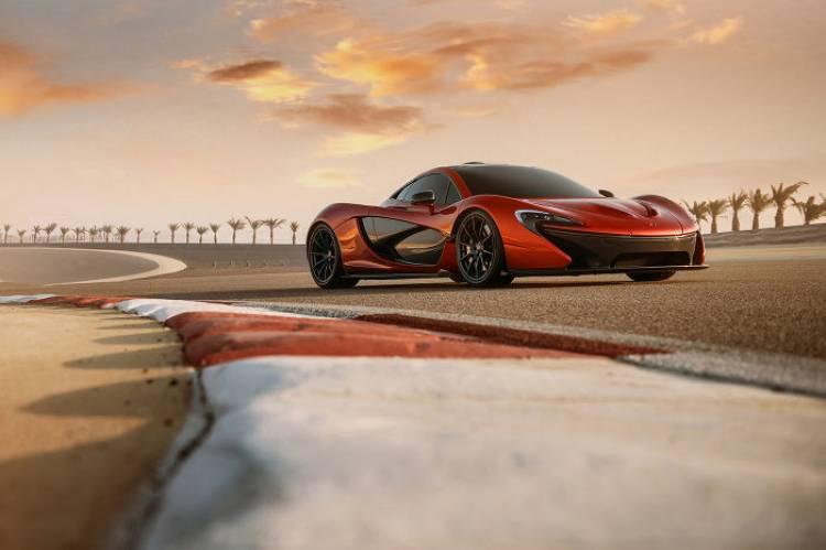McLaren P1 Concept: posando bajo la luz del desierto