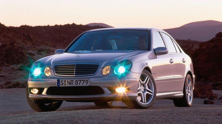 Mercedes-Benz-E55_AMG-2003-0817-01