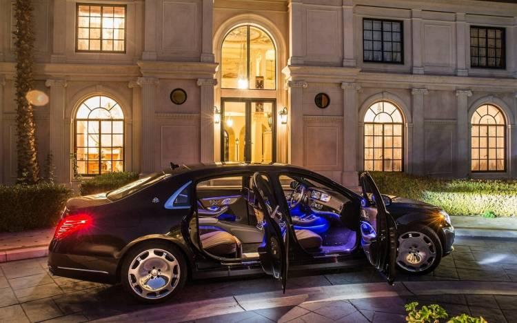 Mercedes-Benz-S-Class_Maybach_140215-02