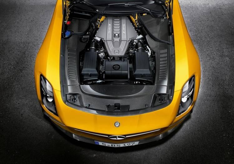 Mercedes-Benz-SLS-AMG-motor-2016-01