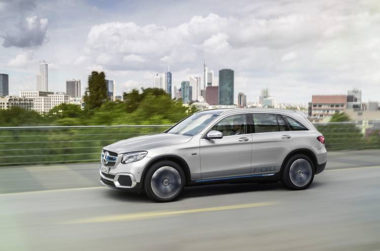 Mercedes-GLC-F-Cell-dM-21