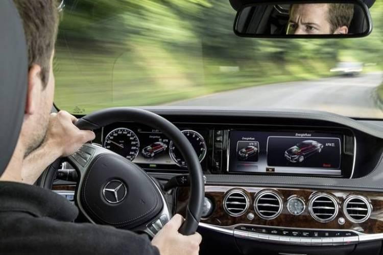 Mercedes S 500 PLUG-IN HYBRID: la berlina de lujo de los 3 l/100 km