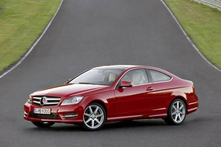 El Mercedes Clase C estará con nosotros en el Salón de Ginebra de 2014: nuevos detalles