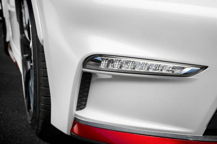 Nissan 370Z Nismo MY 2015, todos los detalles: foto a foto, estos son los cambios del lavado de cara