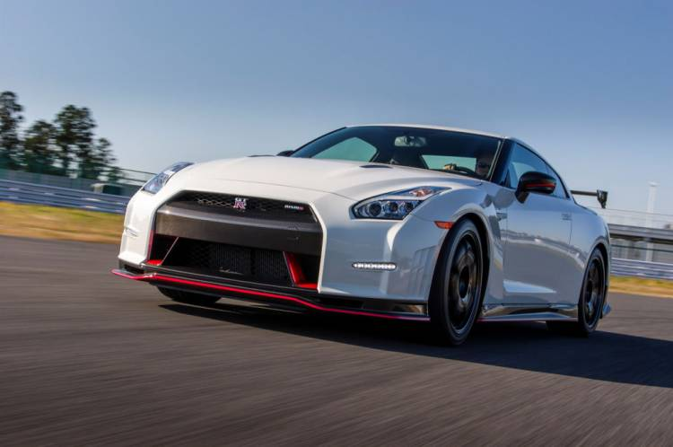 Nissan_GT-R_Nismo_DM_AP_19