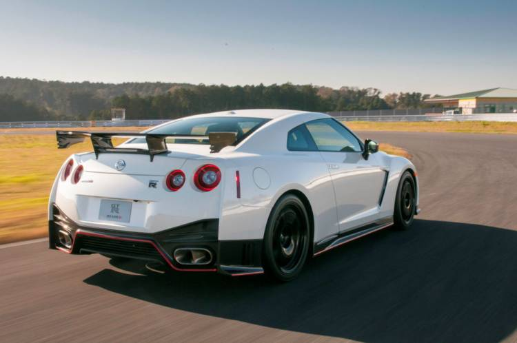 Nissan_GT-R_Nismo_DM_AP_27
