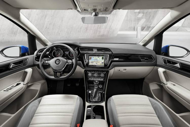 Nuevo_Volkswagen_Touran_2016_DM_28