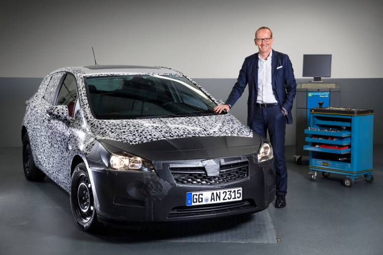 Opel-Astra-dm-2015-teaser-1