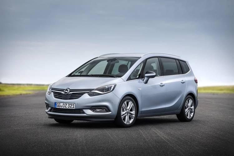 Opel_Zafira_2016_00068