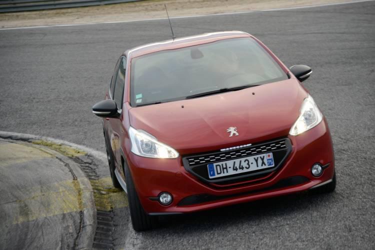 Peugeot_208_GTI_30th_prueba_31