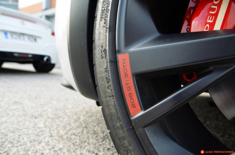Peugeot_208_GTI_30th_prueba_mapdm_3