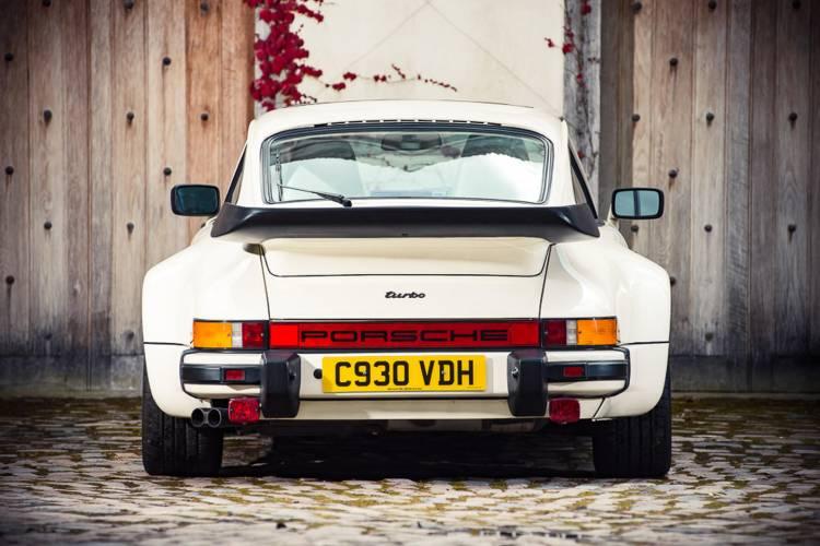 Porsche-911-turbo-930-judas-priest-dm-4