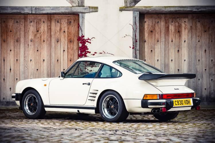 Porsche-911-turbo-930-judas-priest-dm-5