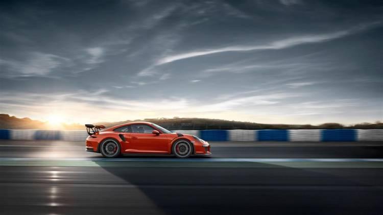 Porsche_911_GT3_RS_galeria_DM_22