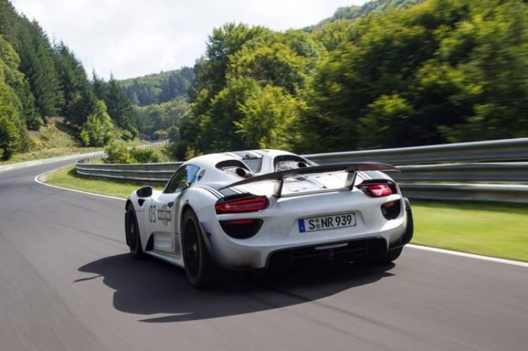 El Porsche 918 Spyder ya tiene tiempo en el Nordschleife, 7 minutos y 14 segundos
