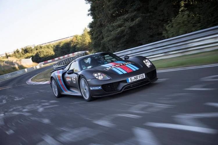 McLaren P1, Ferrari LaFerrari o Porsche 918 ¿quién será el rey de Nürburgring?