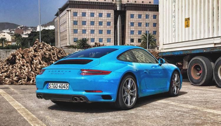 Porsche_cayman_gt4_vs_porsche_911_2