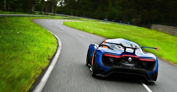 Carlos Tavares fija ya la competencia de Alpine: el Alfa Romeo 4C y el Lotus Evora