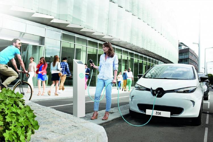 Renault_33627_global_en