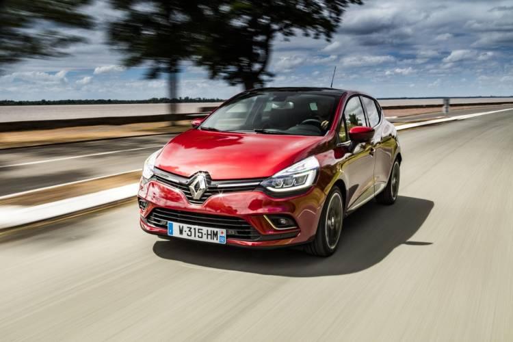 Renault_Clio_00024