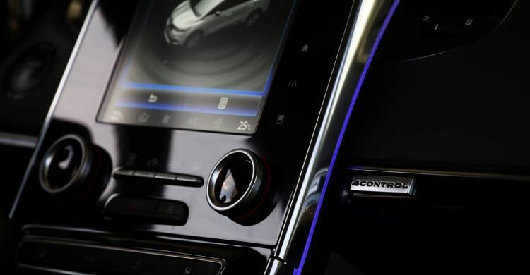 Renault_Espace_contacto_2015_DM_102