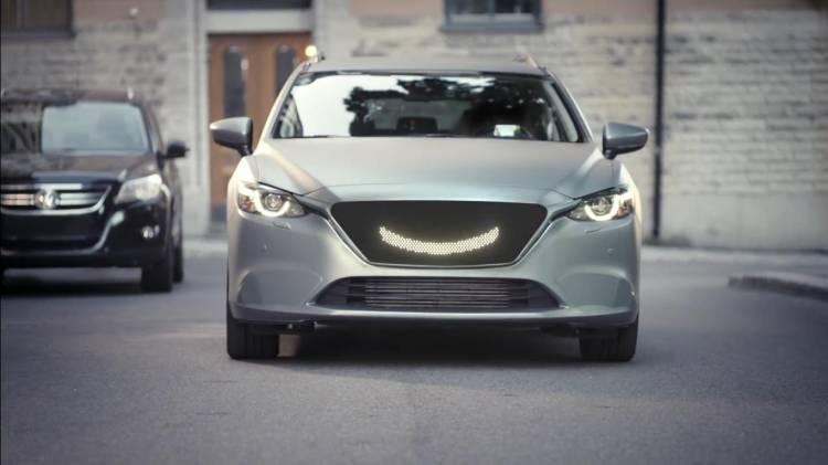 Semcon_Smiling self-driving car
