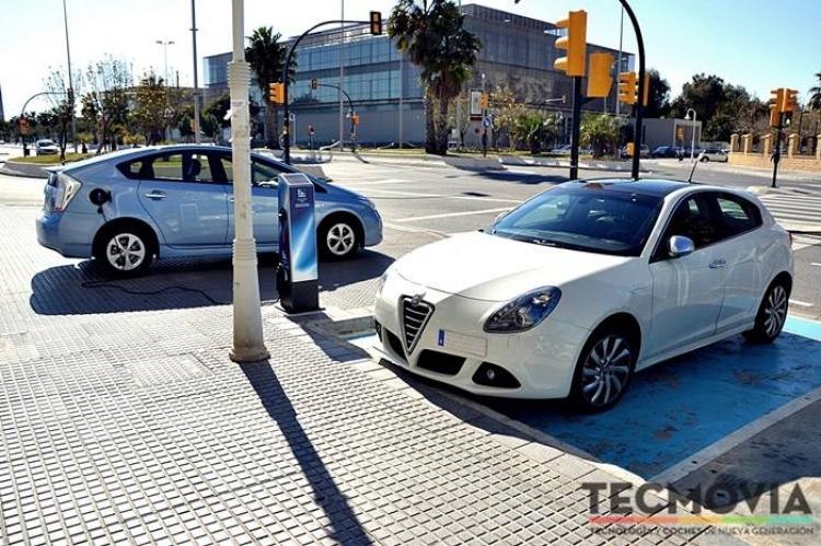 Toyota Prius Plug-In Hybrid, a prueba (III): la realidad a los mandos de un vehículo enchufable