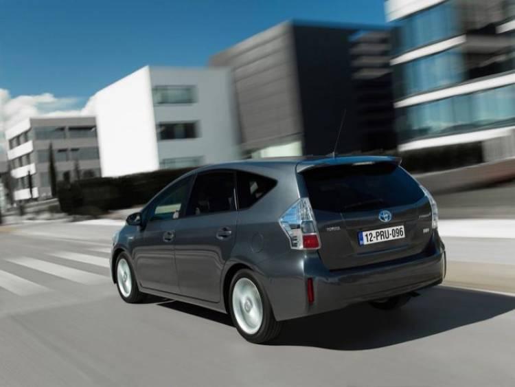 Toyota Prius Plus + precios equipamiento y versiones