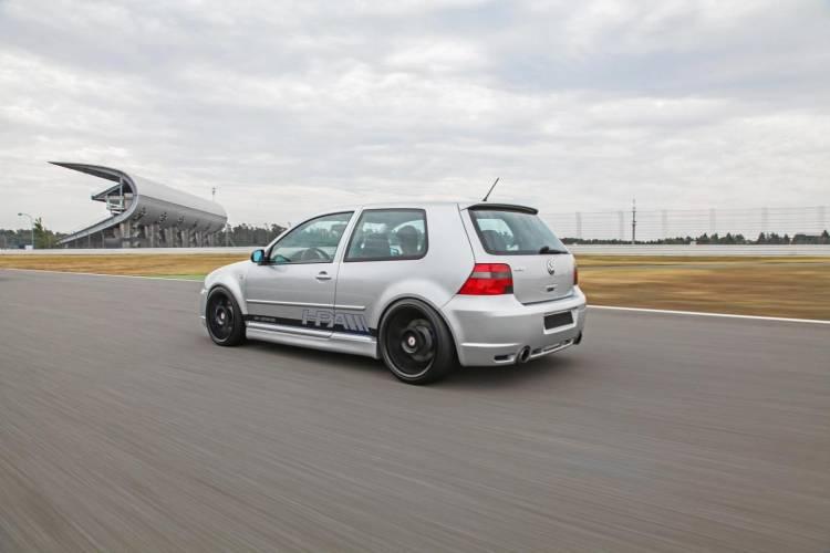 Volkswagen_Golf_IV_R32_HPerformance_DM_8