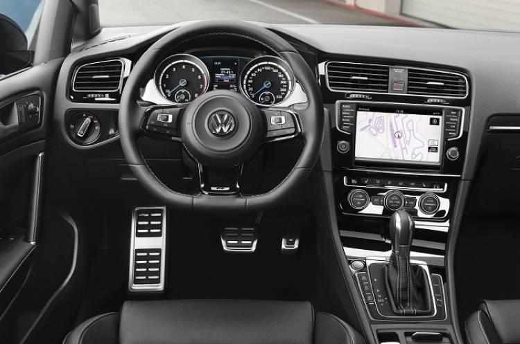 Volkswagen Golf R: nuevas imágenes y un vídeo del Golf más deportivo