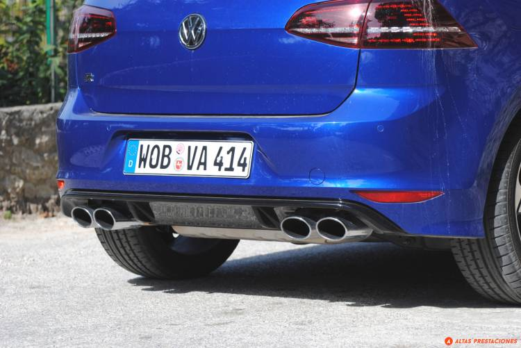 Volkswagen_Golf_R_san_marino_DM_mapdm_13