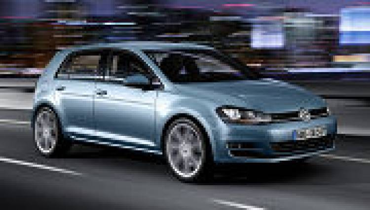 Volkswagen_Golf_VII_3