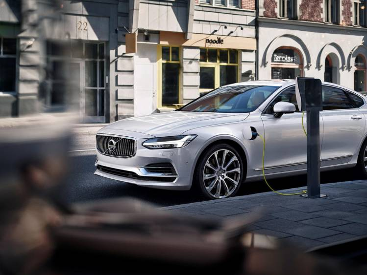 Volvo_S90_Twin_Engine