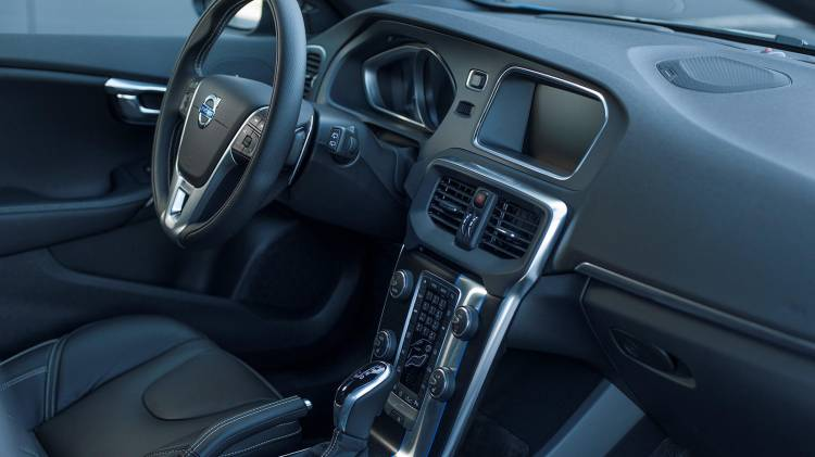Volvo_V40_1600x900_00001