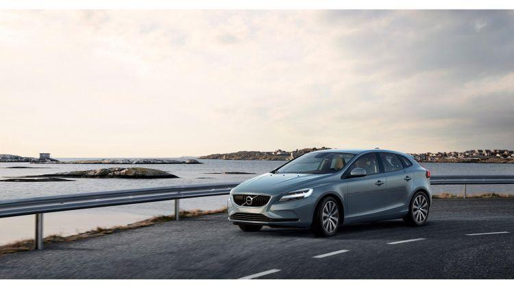 Volvo_V40_1600x900_00005