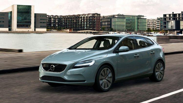 Volvo_V40_port_1600x900_00001