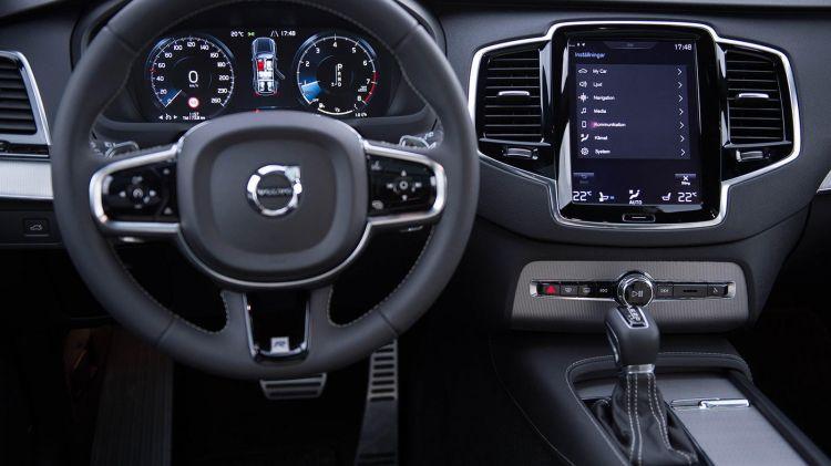 Volvo_XC90_1600x900_00012