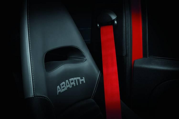Abarth 595 2019 11