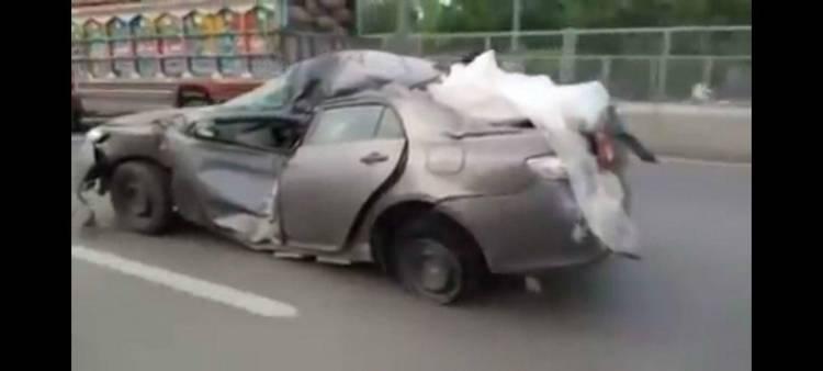 accidente-corolla-pakistan