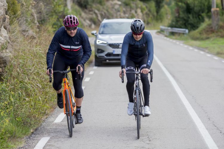 Adelantar Correctamente Ciclistas Biciletas 01