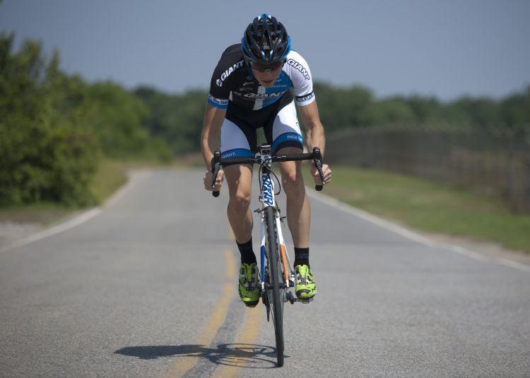Adelantar Linea Continua Ciclista 01