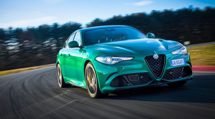 Alfa Romeo Giulia Stelvio Quadrifoglio 2020 0520 028