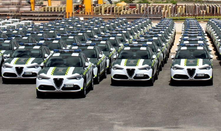 Alfa Romeo Stelvio Guardia Civil 4