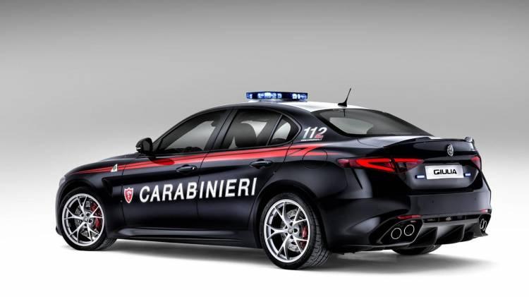 alfa-romero-giulia-carabinieri-2016-08