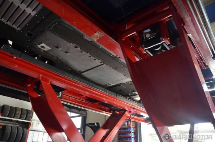 #GarajeDiariomotor: ¿cómo son los bajos de un Alfa Romeo 4C?
