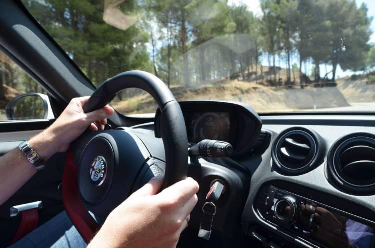Imagen en movimiento del Alfa Romeo 4C