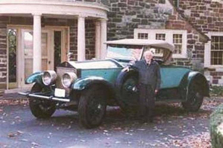 Hasta que la muerte los separó: 77 años con el mismo coche