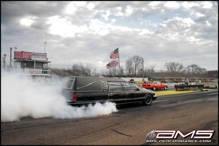 Al otro lado con 1.000 CV: el coche fúnebre de AMS Performance