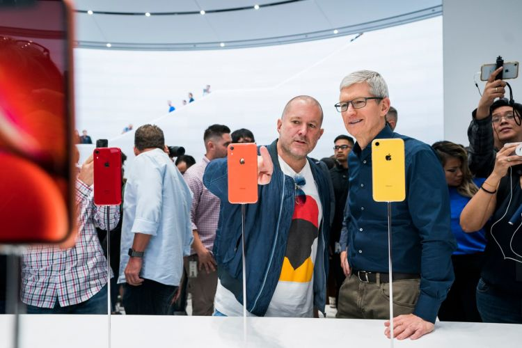 Apple Coche Electrico 2021 Tim Cook Jonathan Ive