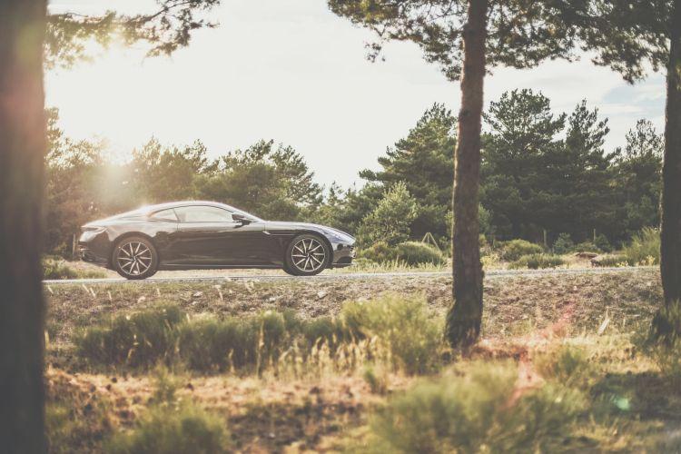 Aston Martin Db 11 Dm 11